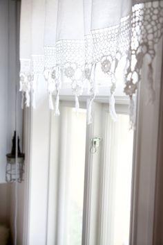 shabby chic : crochet lace curtain