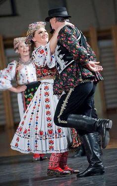 Europe | Portrait of a couple wearing traditional clothes, Osijek-Baranja, Croatia #embroidery