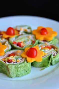 Healthy Vegetable Pinwheels for an after school snack from www.thirtyhandmadedays.com