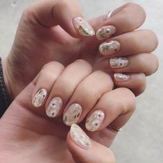 ブライダルネイル、デザイン、サンプル Wedding Beauty, Finger, Nails, Floral, Finger Nails, Florals, Ongles, Flowers, Nail