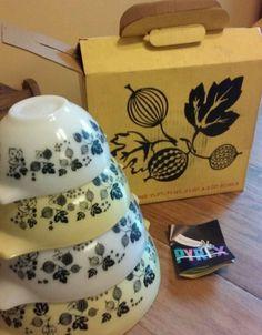Rare New Vtg Pyrex Gooseberry Yellow White Cinderella Mixing Bowl Set 440-2BB