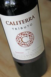 A wine made by Chadwick and Mondavi….  BIG NAMES in the wineworld!....  Come on and read on….  http://www.wijngekken.nl/2014/05/25/caliterra-tributo-carmenere-single-vineyard-2011-colchagua-chili/