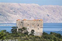 Senj - Senj, Croatia - Private accommodation units - Adriatic.hr Senj Croatia, Forest Hill, Studio Apartment, Places To Travel, Grand Canyon, The Unit, World, Recipes, Beautiful