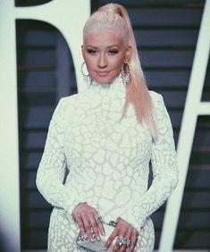 Baby Jane, Queen Elsa, Margot Robbie, Christina Aguilera, Jack Frost, American Singers, Hair Ideas, Musicians, Daughter