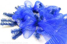 Party Ideas by Mardi Gras Outlet: Patriotic Wreath Tutorial with Deco Mesh