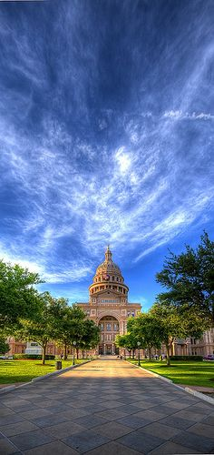 The heart of Texas. The state capitol in Austin, Texas The Places Youll Go, Great Places, Places To See, Beautiful Places, Beautiful Sky, Austin Texas, Texas State Capitol, Texas Pride, National Parks
