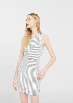 Langes kleid im wickelstil -  Damen | MANGO Deutschland