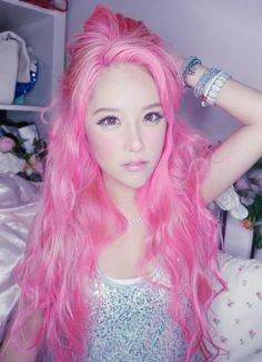 Wish I could try this hair color :-) you only live once