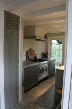 www.rvskeuken.com stoere #keuken speciale vloer in dwarse #klinkers www.rvskeuken.com