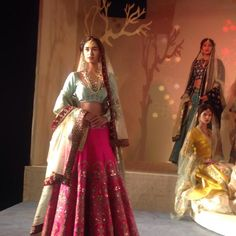 http://www.AnjuModi.com/Home.aspx 'Kashish' collection @ @thefdci #AICW2015.#Couture Week (July~Aug)