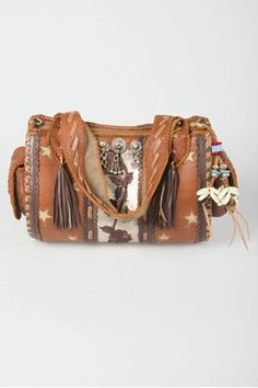 #Bag. Brand: @WORLD FAMILY IBIZA. This would match perfectly with a #bohemian dress and #cowboyboots.