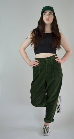 Awesome 1990s corduroy trousers. High waisted fit, button and zipper closure. Pockets at hips, one on back. Pleating on front. Tapered straight legs. Unlined. Super comfy! SIZE: 28 TAG: 8 BRAND: Eddie Bauer Excellent Vintage Condition ♥ Measurements: Waist: 28 Hips: 44 Rise: 13.5 Inseam: 29.5 Emilys Measurements: Bust: 35 Waist: 27.5 Hips: 39 Height: 5 8 22016CORD *Any overpayment exceeding $4 USD will be refunded back to your account *All items are measured in US inches, Shoes are list...