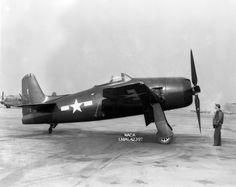 Grumman_XF8F-1_Bearcat_1945.jpg (JPEG Image, 3007×2391 pixels) - Scaled (53%)