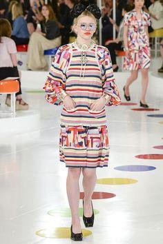 Chanel Resort 2016 Fashion Show - Stella Lucia Chanel Resort, Chanel Cruise 2016, Chanel 2015, Fashion Week, Runway Fashion, High Fashion, Fashion Show, Fashion Design, Karl Otto