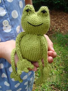 Ribbit - Free knitting pattern for kids. I crochet, so this is inspiration only for me. Baby Knitting Patterns, Knitting For Kids, Loom Knitting, Free Knitting, Crochet Patterns, Summer Knitting, Loom Patterns, Knit Or Crochet, Crochet Crafts