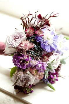 Photo: Love Me Do Photography; Spotlight: Splendid Wedding Floral Designs by Sullivan Owen - Love Me Do Photography