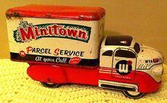 Metal Toys, Tin Toys, Vintage Tins, Retro Vintage, 1950s Toys, Parcel Service, Toys For Us, Toy Trucks, Antique Toys