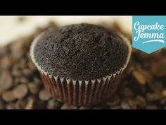 How to make Chocolate Cupcakes, Cupcake Jemma, My Crafts and DIY Projects Easy Chocolate Cupcake Recipe, Best Chocolate Cupcakes, Chocolate Muffins, Chocolate Recipes, Chocolate Chips, Melting Chocolate, Chocolate Cake, Cupcake Bakery, Cupcake Cookies