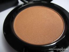 Review: MAC - Blush Linda (Julia Petit LE) - Miss Grapefruit - Beauty Blog