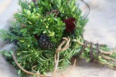 [evergreen+bouquet+boxwood+blue+spruce+cedar+yew+bush+cryptomeria+honesuckle+vine+berries+pine+cones+pods.jpg]