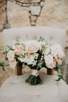 The perfect blush bouquet | Sacred Oaks | Whim Floral | Whim Rentals | Captivating Weddings