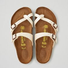 AEO Birkenstock Mayari Sandals ($95) ❤ liked on Polyvore featuring shoes, sandals, ivory, ivory shoes, ivory sandals, american eagle outfitters shoes and american eagle outfitters