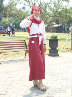 """Foto-foto Shinta Setya Ningrum. Andalas, Singotrunan, #Banyuwangi, Jawa Timur. Peserta Lomba Foto Mutif 2015 Kategori """"Mutif Fotogenic Contest"""" #MutifFotogenicContest #BusanaMuslim #Fashion #FashionMuslim #ModelMutif #FotoModel #MuslimInspiratif #LombaFoto #MuslimahIndonesia"""