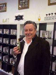 Diseñando #perfume a José María Sacristán. Recordáis Yo soy Bea, Martin Hache,Los fantasmas de Goya? #lujo