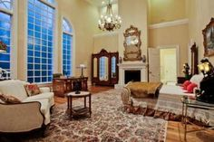 Pink Mary Kay mansion in Dallas sells for significantly less than original asking price