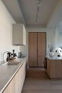 Kitchen Artwork, Home Decor Kitchen, Kitchen Interior, Kitchen Design, Stockholm Apartment, Architecture Design, Swedish Interiors, Scandinavian Interior, Turbulence Deco