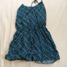 Open back romper Worn a few times. Ties in back Forever 21 Dresses