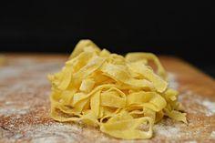 Bistro32: BEZLEPKOVÉ DOMÁCÍ TĚSTOVINY Snack Recipes, Snacks, Chips, Gluten Free, Food, Diet, Snack Mix Recipes, Glutenfree, Appetizer Recipes