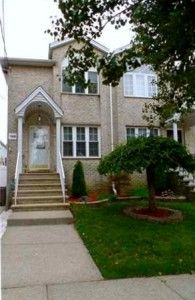 Read all about this beautiful south shore semi-detached home for sale with an open layout! http://www.realestatesiny.com #RealEstateSINY #TrendingSINY #HomeForSale #StatenIsland #NewYork #RealEstate #Rossville #SemiDetached