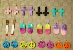 Cute Perler Bead Earrings and Keychains by merkittenjewelry Perler Bead Designs, Easy Perler Bead Patterns, Perler Bead Templates, Hama Beads Design, Diy Perler Beads, Perler Bead Art, Pearler Beads, Fuse Beads, Hama Beads Jewelry