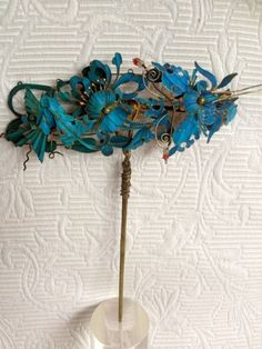 A Chinese antique kingfisher feather hair ornament
