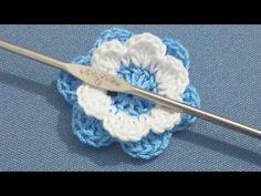 Flor de 2 capas de 6 petalos - Tutorial de tejido crochet - YouTube Crochet Flower Tutorial, Crochet Flowers, Knitting Videos, Crochet Videos, Crochet Brooch, Crochet Necklace, Crochet Borders, Crochet Patterns, Yarn Crafts