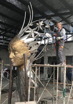 Linda Brunker via Elena (Livia) D. Steel Sculpture, Bronze Sculpture, Sculpture Art, Sculptures, Sculpture Projects, Public Art, Artist At Work, Gallery, Nature