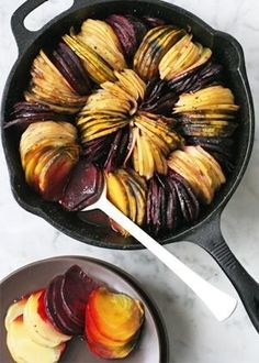 "I want to try this with multi-colored potatoes - ""Oven-roasted beets and potatoes"" via healthy mom, busy mom, healthy recipes, health and fitness, healthy tips Beet Recipes, Potato Recipes, Vegetable Recipes, Vegetarian Recipes, Cooking Recipes, Healthy Recipes, Smoothie Recipes, Cooking Pasta, Roast Recipes"