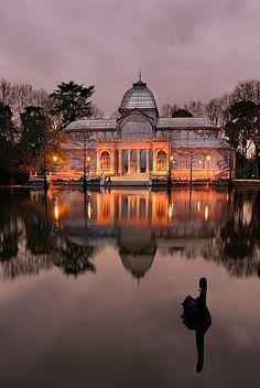 Dusk, Crystal Palace, Madrid, Spain photo via victoria