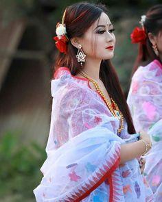 Beautiful Girl Indian, Beautiful Girl Image, Beautiful Gorgeous, Beautiful People, Beautiful Women, Ethnic Fashion, Indian Fashion, Girl Pictures, Girl Photos