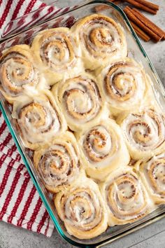 THE BEST HOMEMADE CINNAMON ROLLS EVER – FULL BUZZ Cinammon Rolls, Cinnabon Cinnamon Rolls, How To Make Bread, Food To Make, Desserts To Make, Salted Butter, Breakfast Time, Sweet Bread, Cooking Time