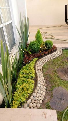 70 magical side yard and backyard gravel garden design ideas beautiful front yard rock garden landscaping ideas Gravel Garden, Lawn And Garden, Front Garden Landscape, Garden Beds, Front House Garden Ideas, Front Yard Ideas, Garden Path, Summer Garden, Front Yard Garden Design