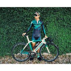 Obligatory Ocean skinsuit/bike photo following racing at @drivewayseries