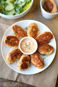 Quick, Light and Tasty Salmon Croquettes! Learn how to make easy and healthy salmon croquettes with a tangy dill and sriracha dipping sauce.