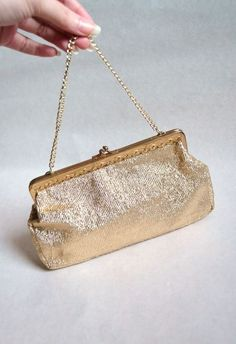 Vintage 60s gold lamé handbag, Rockabilly 50s VLV metallic bag chain purse lurex