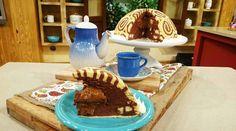 Torta pionono de mousse de chocolate con corazón de dulce de leche