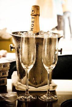 Moët & Chandon  |    Sophisticated Luxury Blog:. (youngsophisticatedluxury.tumblr.com  http://youngsophisticatedluxury.tumblr.com/