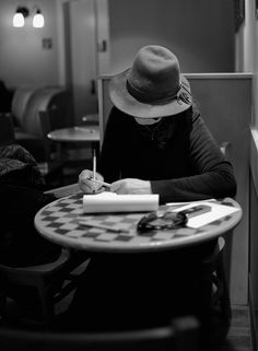 LIFE IN NOTES by THORSTEN OVERGAARD-Lady at a cafe in Hamburg, M9 with 35mm f1.4