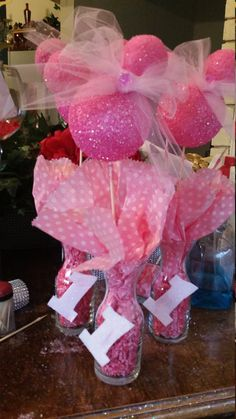 minnie mouse inspried centerpieces by partygoodz on Etsy