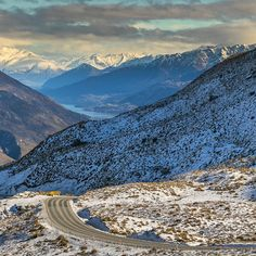 Crown Range Road between Queenstown and Wanaka, The South Island, New Zealand (by @capturenz)